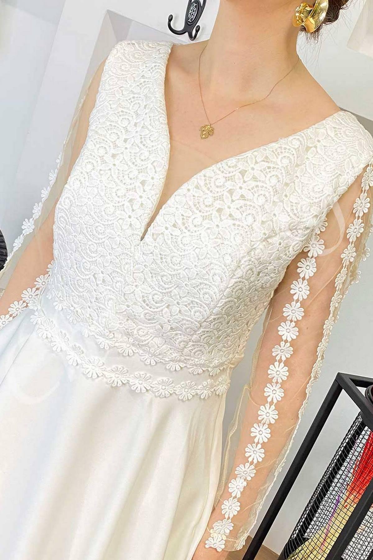Fame Kolları Hayalet Tül Bedeni Güpür Eteği Volanlı Elbise