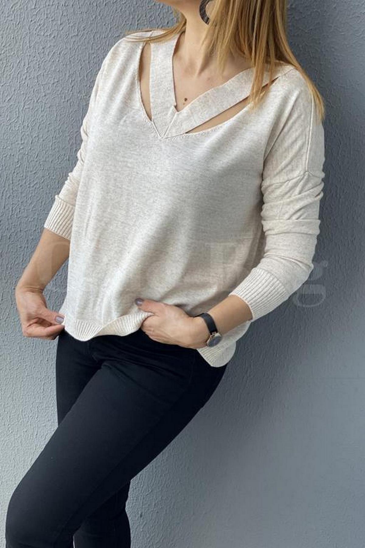 https://resim.chicbag.com.tr/chb11270110/kre/fashion-v-yaka-yaka-kenari-yirtmacli-triko-chb-0001154be-01ab104f8a8c.