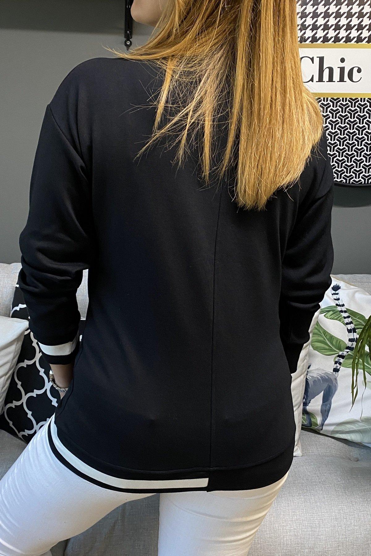 V Yaka Tek Tarafı Yaka Kol Ve Eteği İki Renkli Bluz