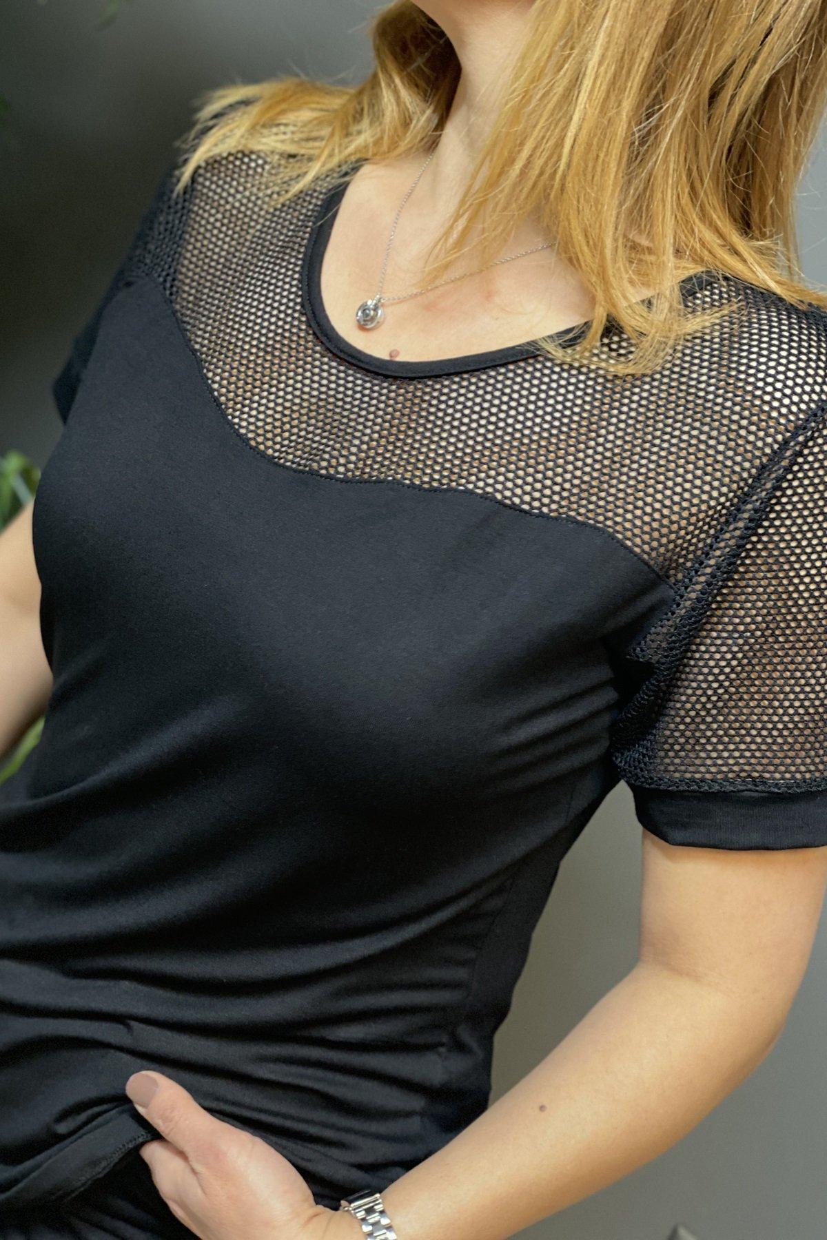 Kolları Ve Göğüs Üstü File Eteği Yırtmaçlı Arkası Uzun Tshirt