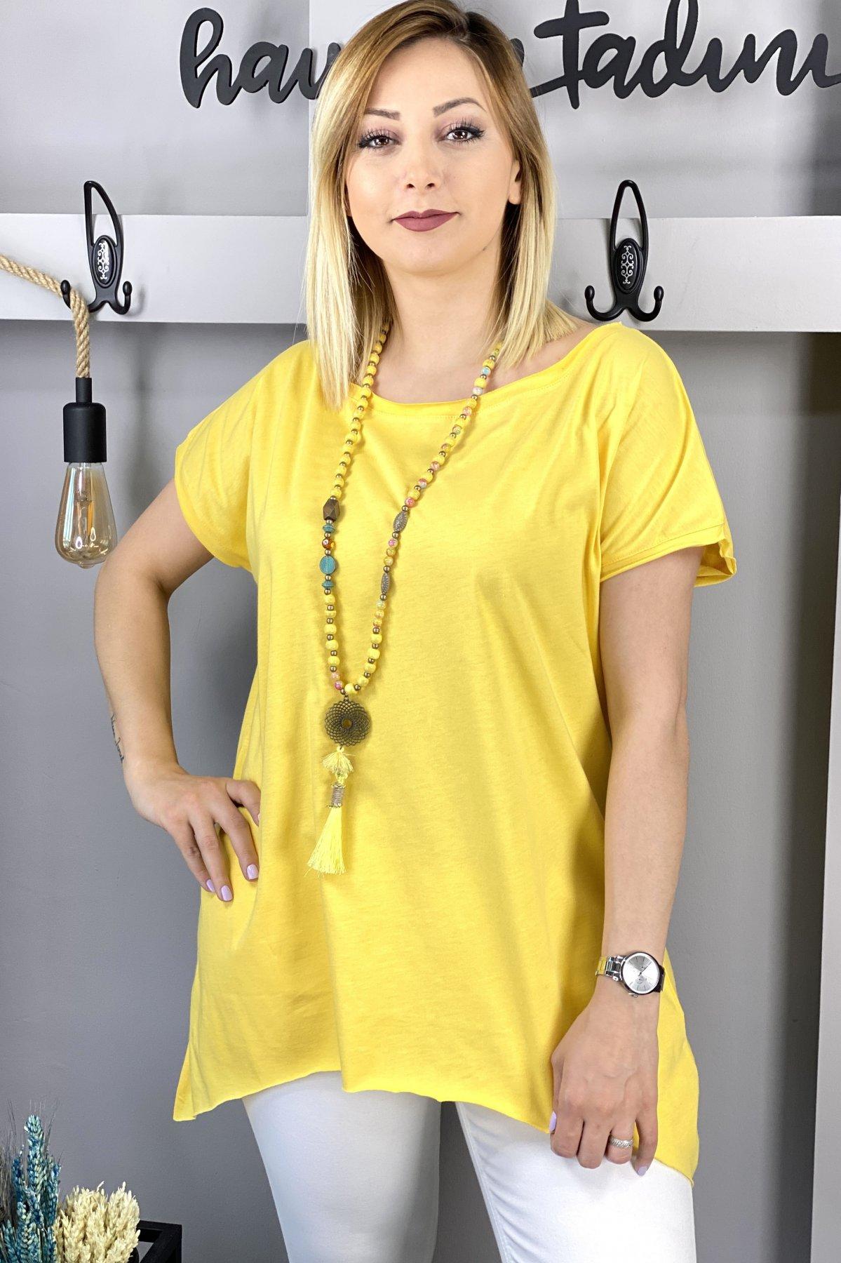 https://resim.chicbag.com.tr/p000497/sri/yakasi-ve-etegi-kesik-etek-ucu-asimetrik-t-shirt-01b40040908b.jpg