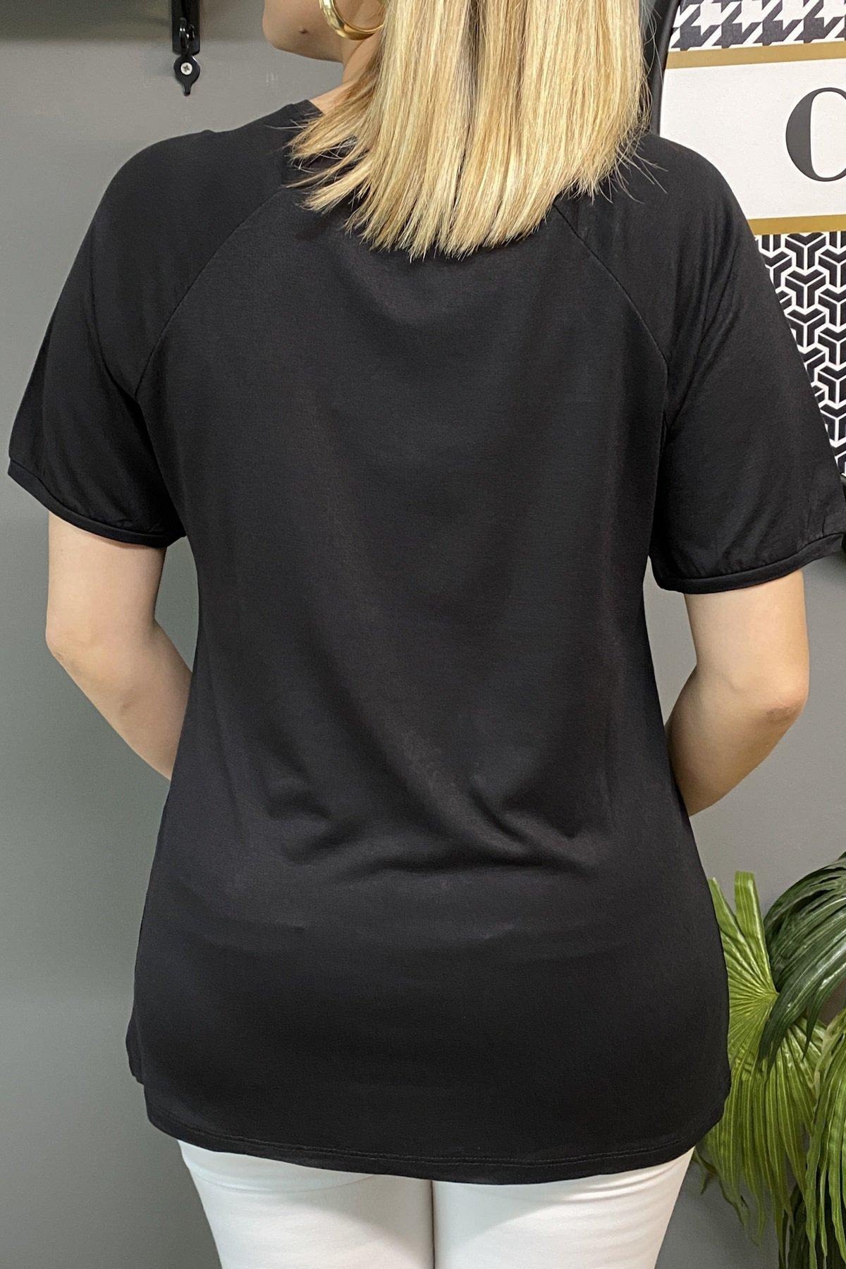 Sol Göğüs Üstü Taş Baskı Yazılı Ve Omuz Altı Taşlı Bluz
