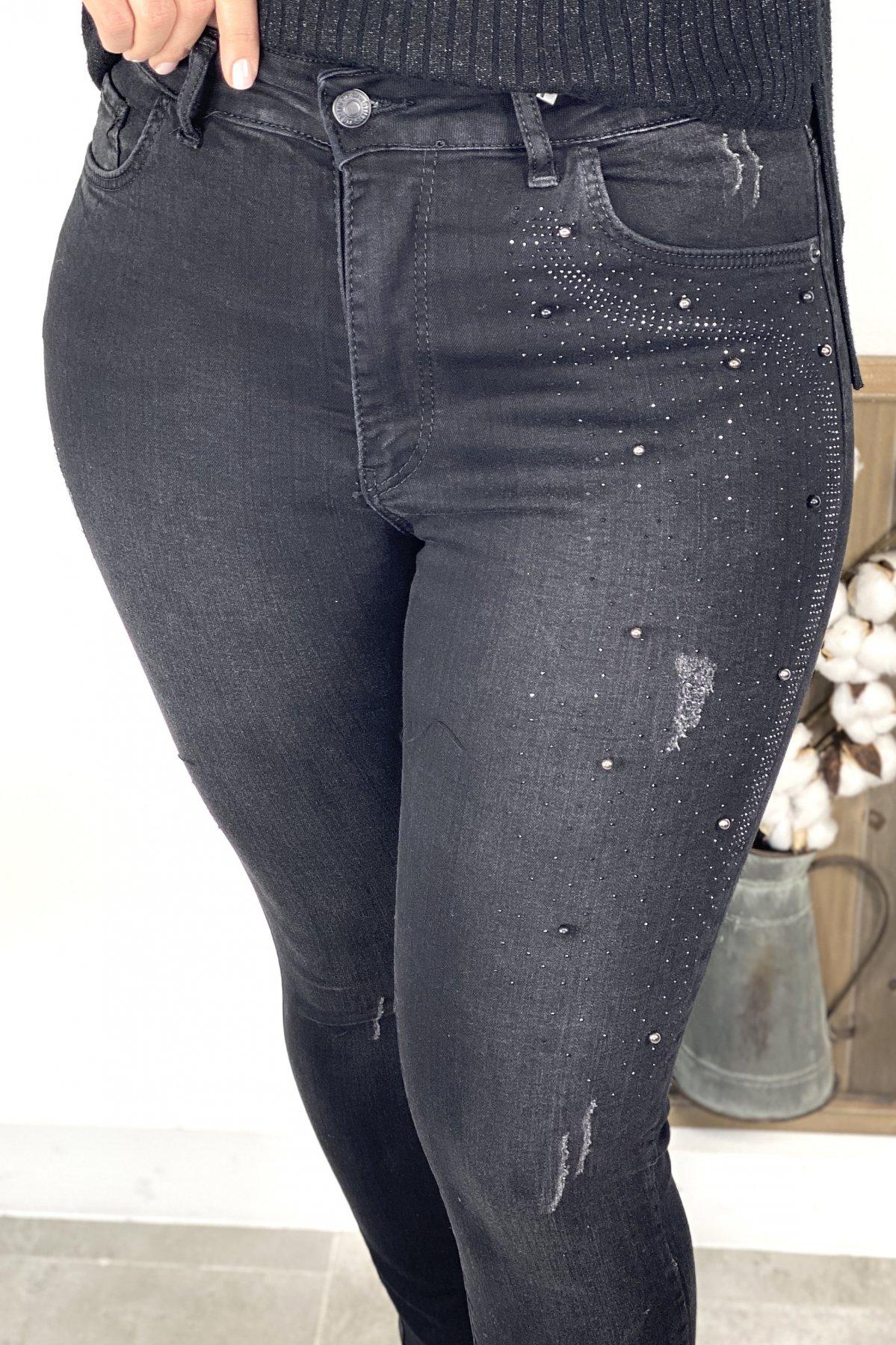 Taş Ve Boncuk İşlemeli Dar Paça Jean Pantolon