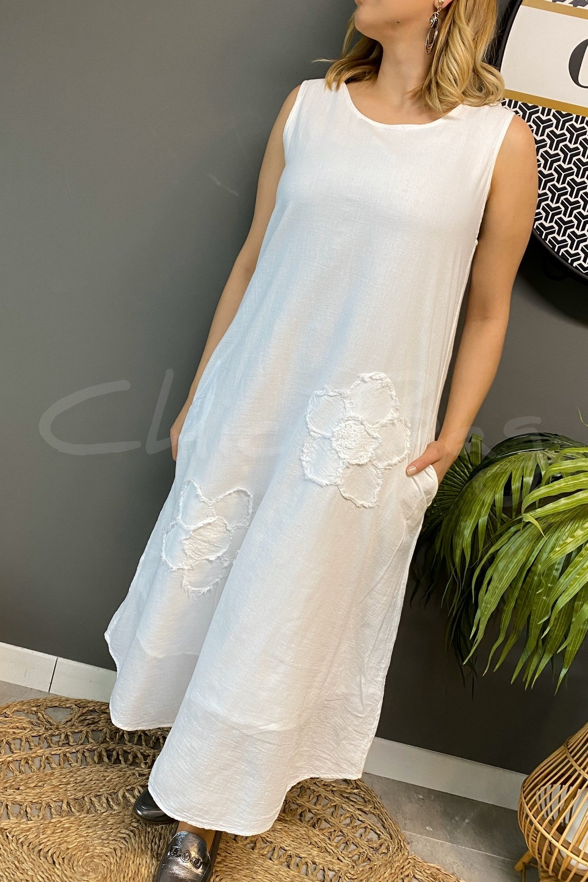 https://resim.chicbag.com.tr/p000757/byz/papatyali-kolsuz-etegi-oval-elbise-mltm-01e08247a0ee.
