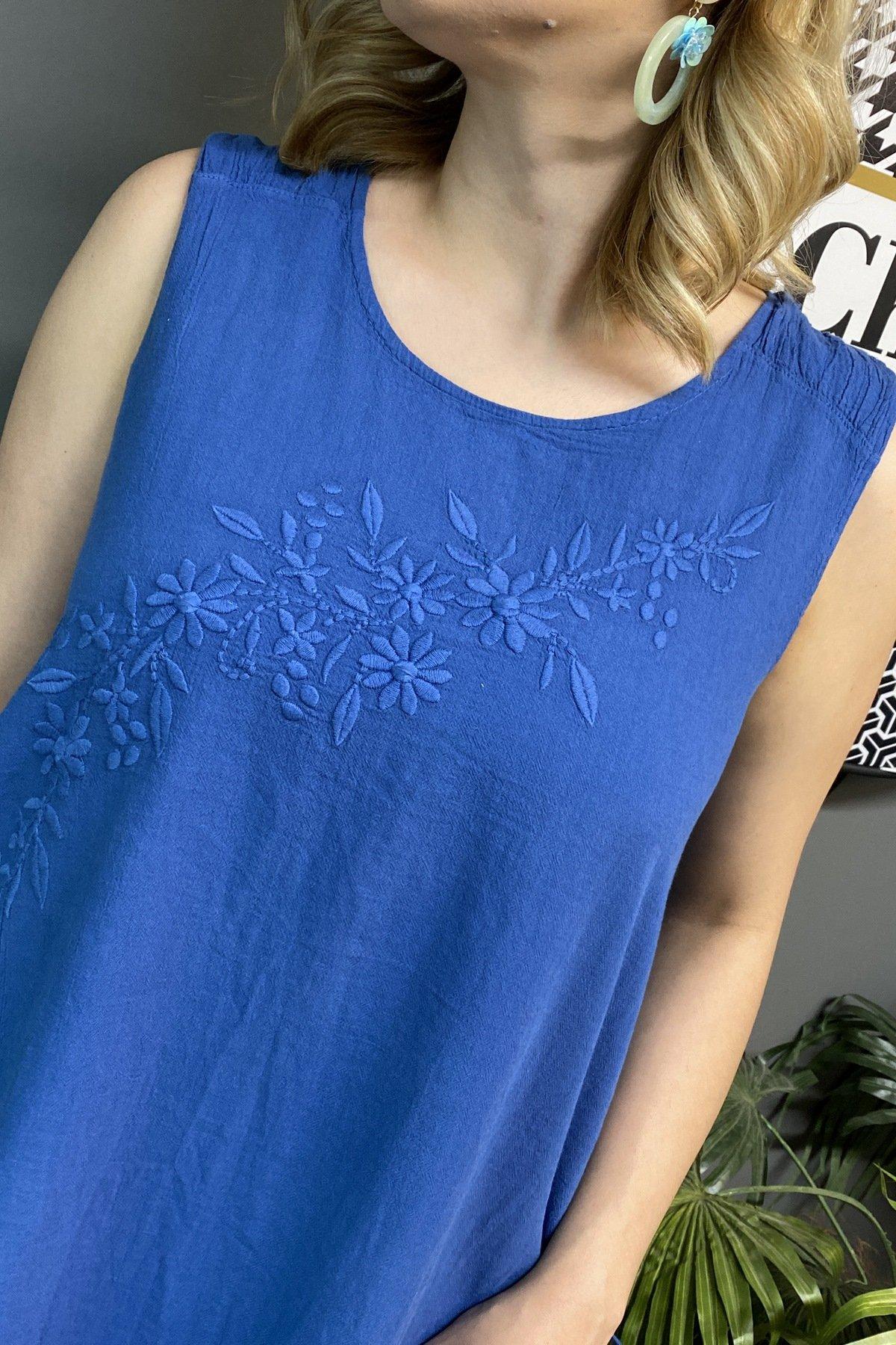 Yandan Bağlamalı Önü Ve Sol Alt Çiçek İşlemeli Kolsuz Elbise