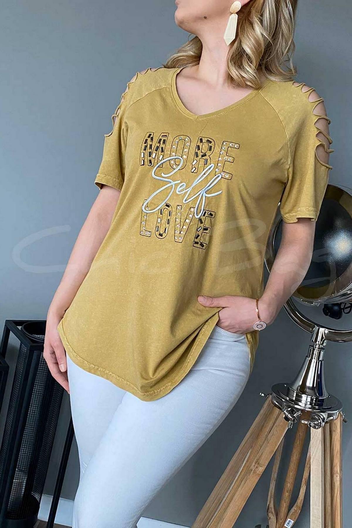 https://resim.chicbag.com.tr/p000816/hrd/more-self-love-baski-omuz-kesik-dekolteli-v-yaka-t-shirt-swns-01e08247a0ee.