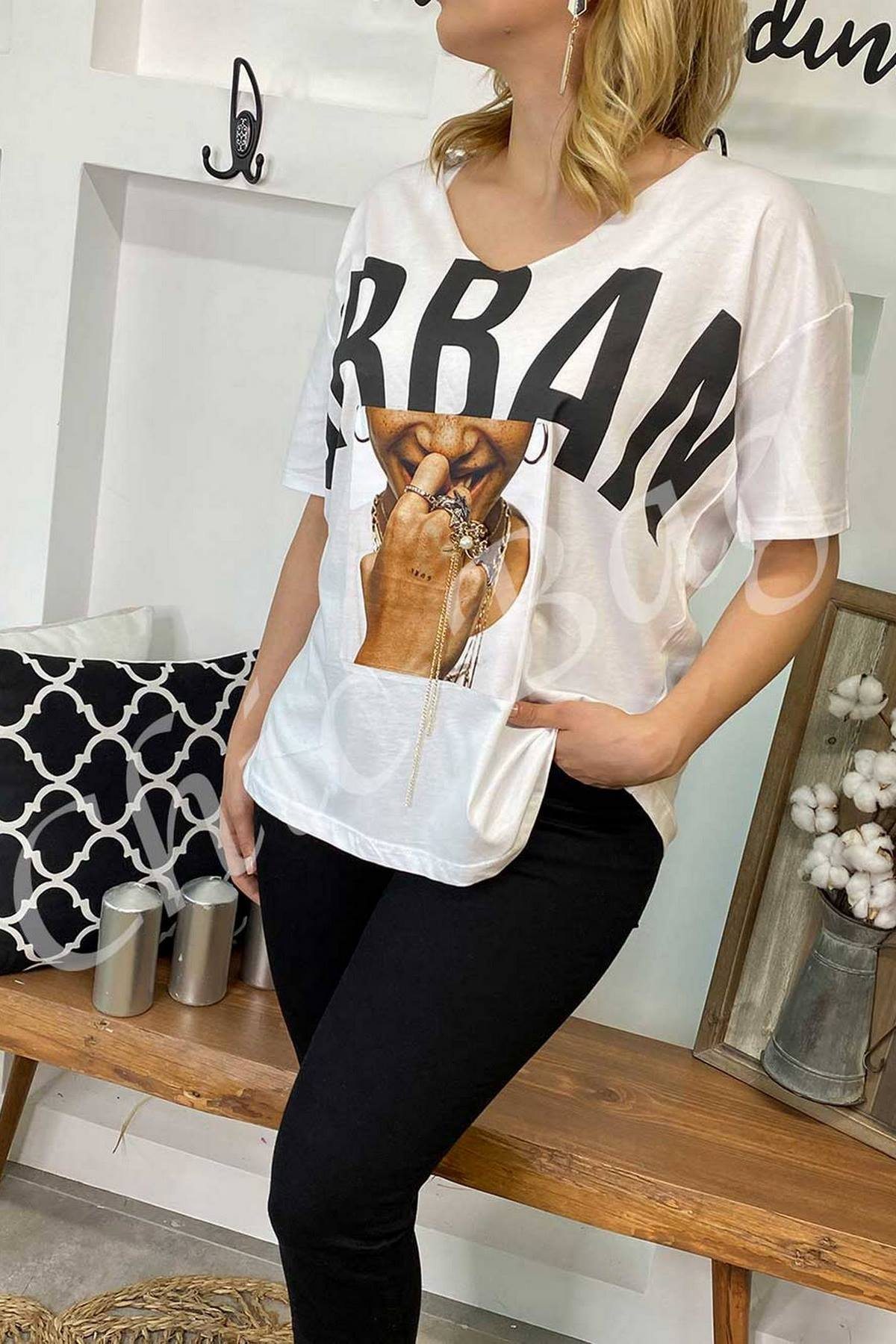 https://resim.chicbag.com.tr/p000889/byz/urban-baski-resimli-t-shirt-crp-01e46e348f0b.