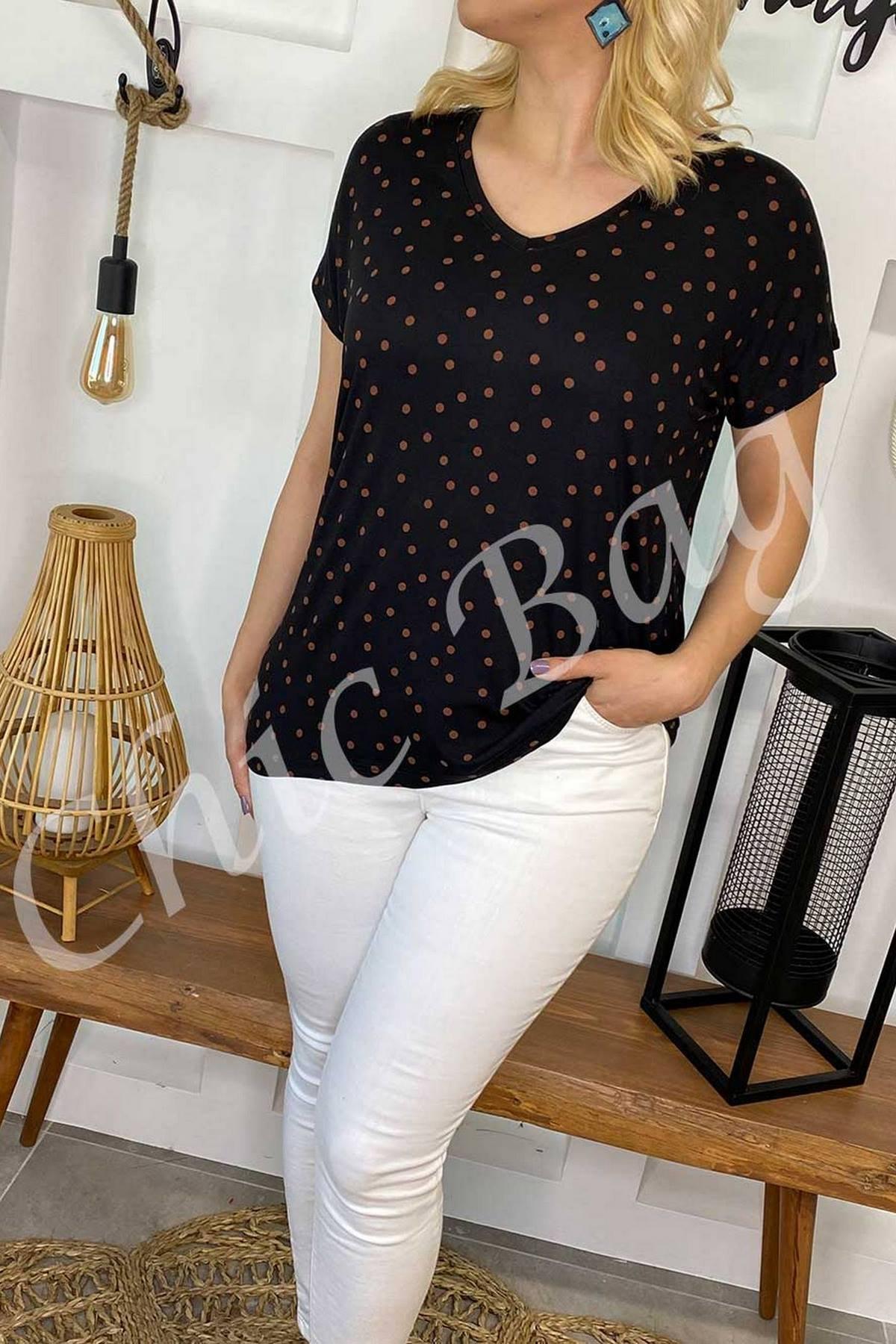 https://resim.chicbag.com.tr/p000960/shy/kucuk-puantiyeli-basic-t-shirt-01df4f8b51aa.